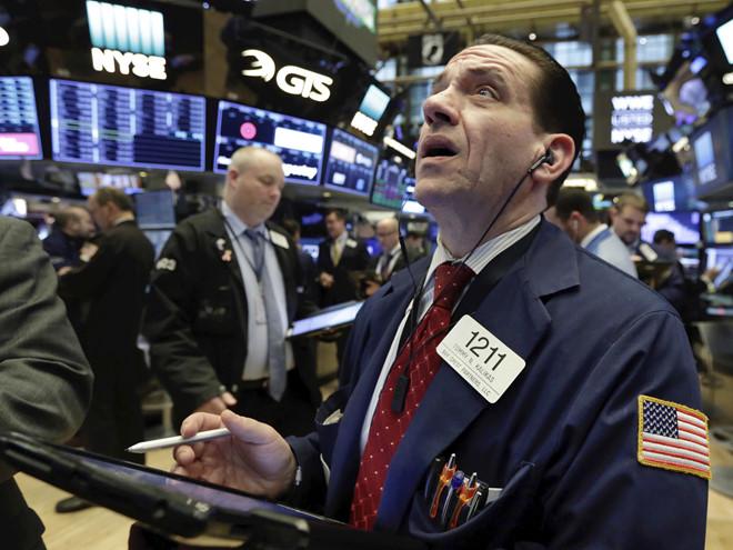 Thị trường hỗn loạn vì chiến tranh thương mại Mỹ - Trung